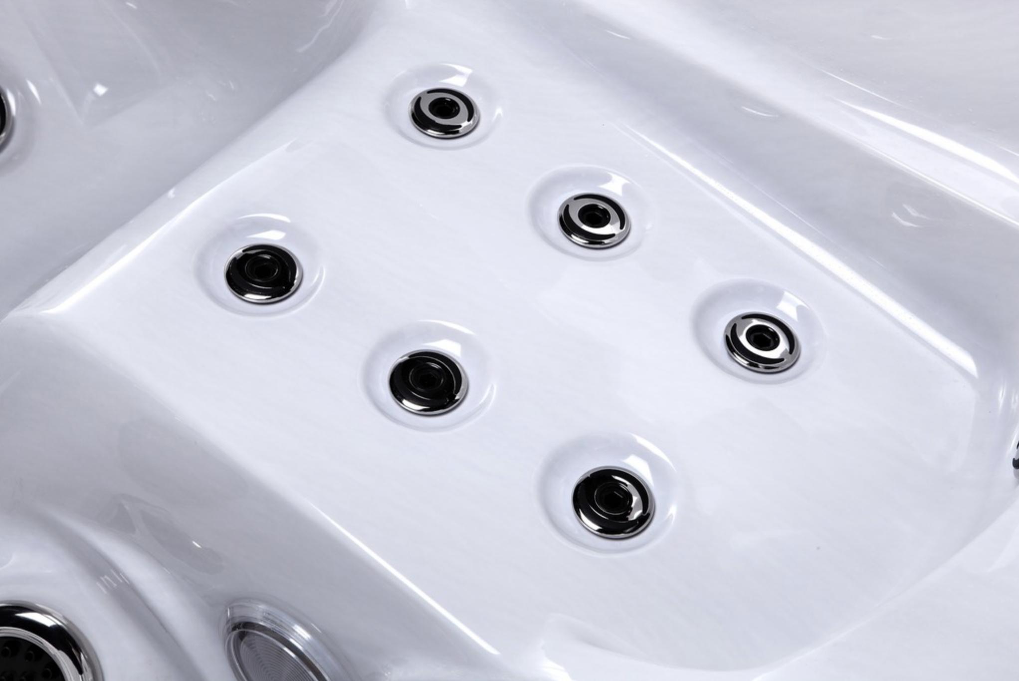 Platinum Spas Small Hot Tub Jets